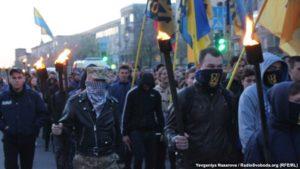 В Запорожье полтысячи человек вышли на «Марш отважных» - ФОТО