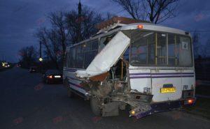 В Запорожской области иномарка на большой скорости влетела в автобус с пассажирами - ФОТО