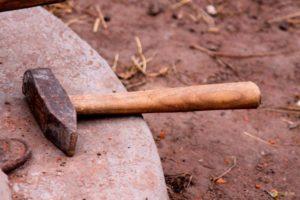 В Запорожской области мужчина забил молотком собутыльника