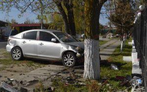 На запорожском курорте водитель сбил двух пешеходов и скрылся с места преступления – ФОТО, ВИДЕО