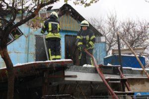 В Запорожье очередной пожар: горела голубятня - ФОТО