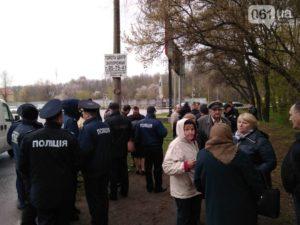 В Запорожье селяне перекрыли трассу Харьков-Симферополь - ФОТО, ВИДЕО