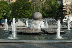 В Запорожье запустили после зимы первые фонтаны