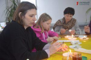 В Запорожье состоялся мастер-класс по росписи пасхальных яиц - ФОТО