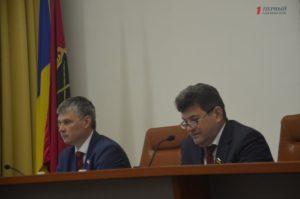 Апрельская сессия городского совета в лицах - ФОТО
