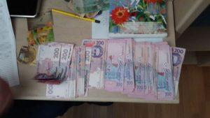 В Запорожской области задержали налоговика-взяточника - ФОТО