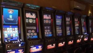 Запорожские полицейские накрыли подпольную сеть игровых автоматов – ФОТО, ВИДЕО