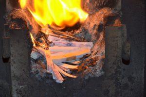 В Запорожье сожгли 361 тысячунеиспользованных акцизных марок - ФОТО