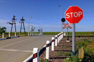 В Запорожской области на железнодорожном переезде сбили мужчину