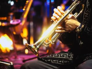 Запорожцев приглашают на вечер джаза
