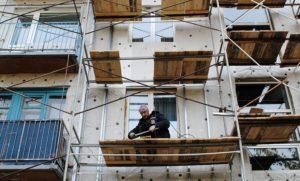 В Запорожье жильцы одного из домов вот уже 50 лет ждут капитального ремонта
