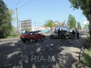 В Запорожской области маршрутка столкнулась сразу с двумя машинами - ФОТО