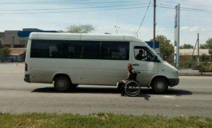 В Запорожской области воины-самозванцы просят милостыню на дорогах - ФОТО