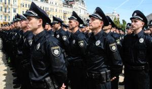 На праздники 8 и 9 мая следить за порядком на улицах выйдут 16 тысяч правоохранителей