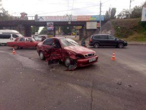 В центре Запорожья произошло серьезное ДТП - ФОТО