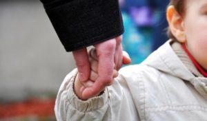 Внимание, розыск: жительница Запорожья украла двухлетнюю девочку