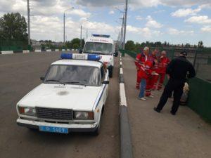 В Запорожской области женщина собиралась спрыгнуть с моста с маленьким ребенком - ФОТО