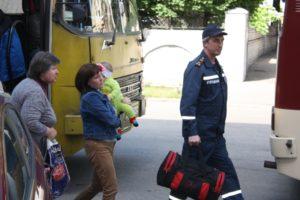 В Запорожье привезли на лечение детей из зоны АТО - ФОТО