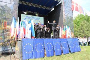 В запорожском центральном парке «Дубовая Роща» открыли европейский городок  - ФОТО