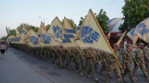 В Запорожской области полк «Азов» отметил свою годовщину праздничным шествием с военной техникой – ФОТО