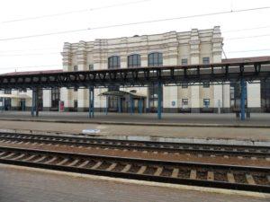 В Запорожье с поезда сняли буйного пассажира