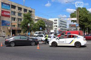 В центре Запорожья произошло серьезное ДТП: образовалась пробка - ФОТО