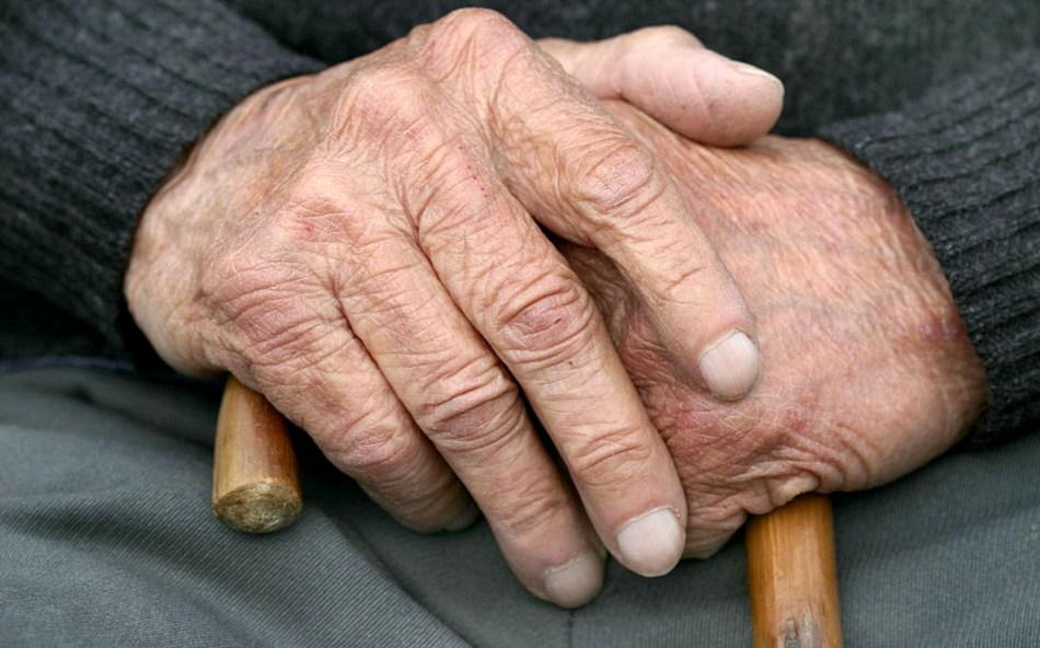 В Запорожье от смерти в огне спасли 76-летнего пенсионера