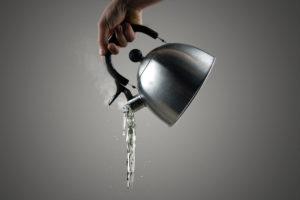 Кому в Запорожье отключили горячую воду - АДРЕСА