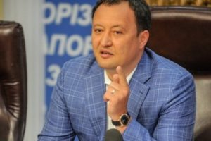 Константин Брыль упрекнул запорожских депутатов в неравномерном распределении депутатского фонда и поставил всем в пример своего зама