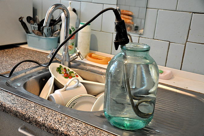 Некоторые жители Запорожья на два дня останутся без горячей воды - АДРЕСА