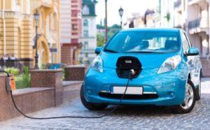 Розетка вместо бензина: сколько запорожцев владеют электрокарами и когда экотранспорт станет заметным