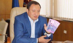 Запорожский губернатор Константин Брыль получил от СБУ 228 тысяч гривен зарплаты