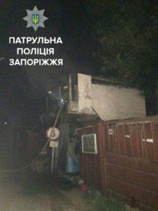 В Запорожье мужчина избил сторожа гаражного кооператива и поджог сторожку - ФОТО