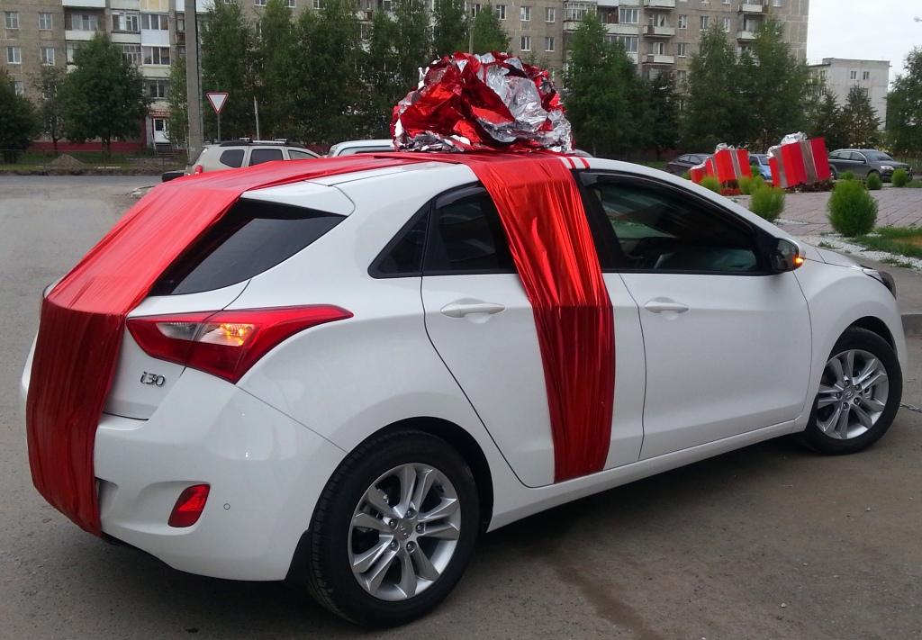 Украшение машин для подарка