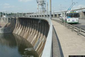 В Запорожье предлагают изменить движение по плотине ДнепроГЭС