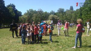 В Запорожье ко Дню защиты детей прошел масштабный фестиваль в Дубовой Роще - ФОТО