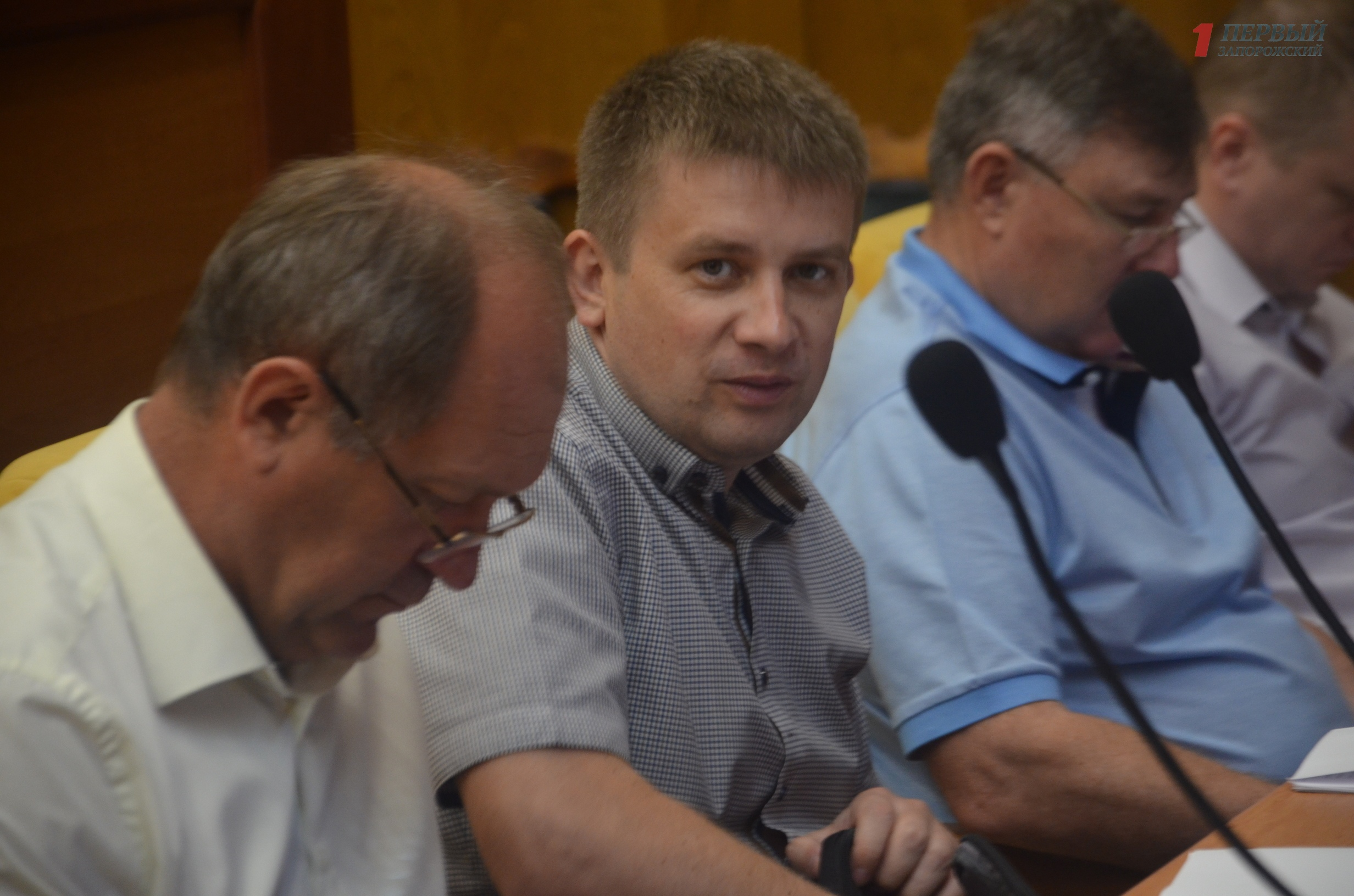 В Запорожье продолжилась прерванная сессия областного совета - ФОТО