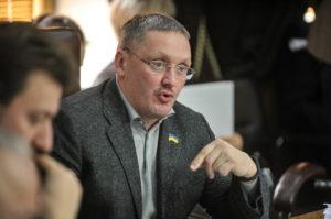 Запорожские депутаты намерены потребовать отставки начальника одного их департаментов ОГА после скандальной смс-переписки