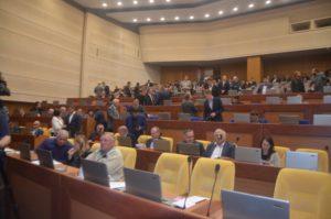 Депутаты областного совета объявили недельный перерыв в сессии