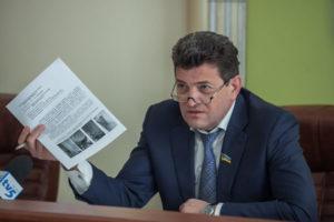 Мэр Запорожья наказал своих подчиненных и лишил их премий