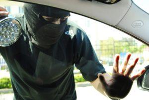 Запорожская полиция опровергла информацию о массовых автокражах на парковке ТЦ