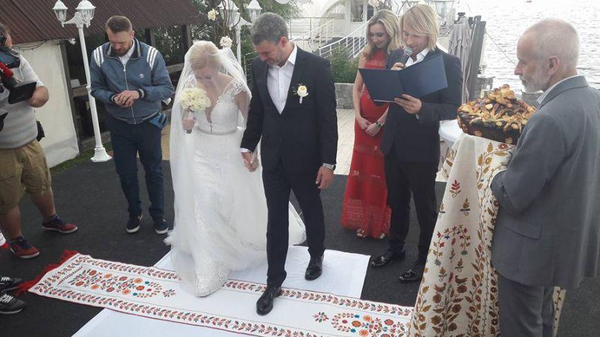 Известные исполнители Арсен Мирзоян и Тоня Матвиенко поженились - ФОТО