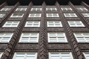 В мэрии обещают помогать запорожцам с жилым фондом после определения управляющей компании