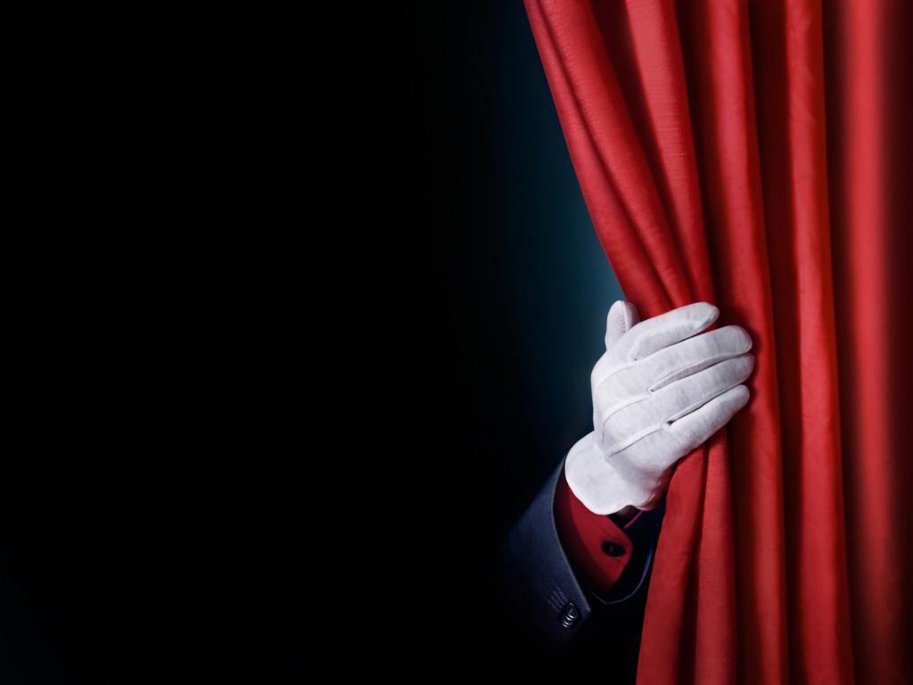 Запорожцев приглашают посмотреть «Товар в наличии»