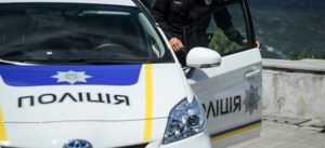 В Запорожской области двое мужчин избили патрульных и попытались угнать полицейское авто