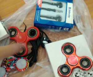 Молодой запорожец украл в супермаркете популярную игрушку - ФОТО