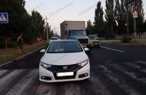 Очередное ДТП: в Запорожской области грузовик врезался в иномарку - ФОТО
