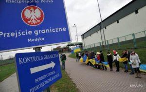 Евгений Черняк: Украина делает все, чтобы нормальные люди превратились в беженцев