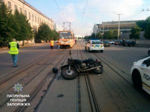 В Запорожье пьяный водитель спровоцировал серьезное ДТП: мотоциклист в больнице - ФОТО, ВИДЕО