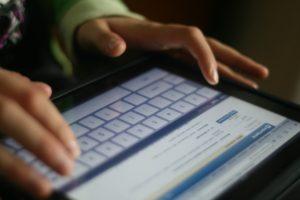 Запорожца судили за создание в соцсети групп с интимными знакомствами
